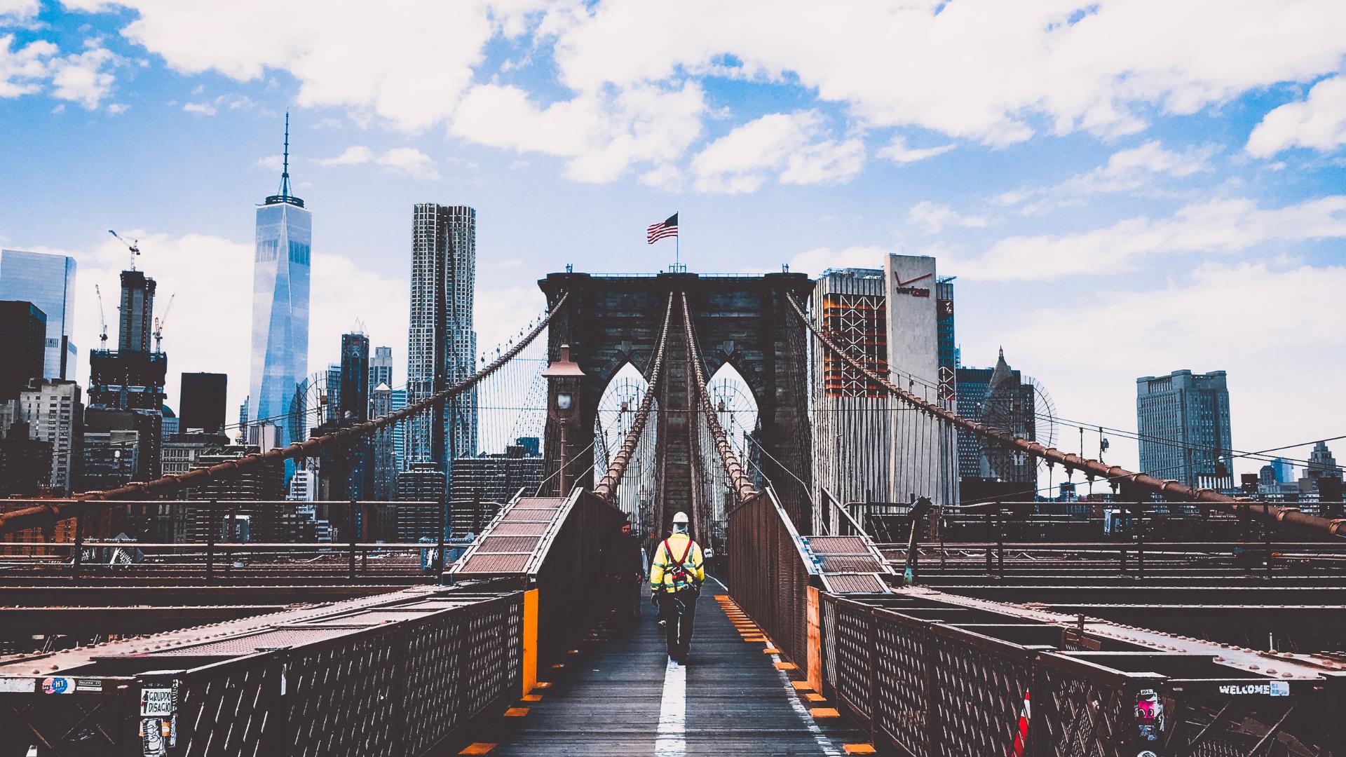 Worker on NYC bridge